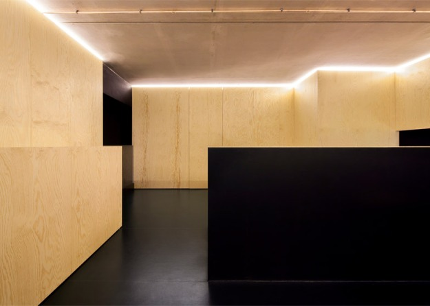 Bazar-Noir-concept-store-by-Hidden-Fortress_dezeen_784_10