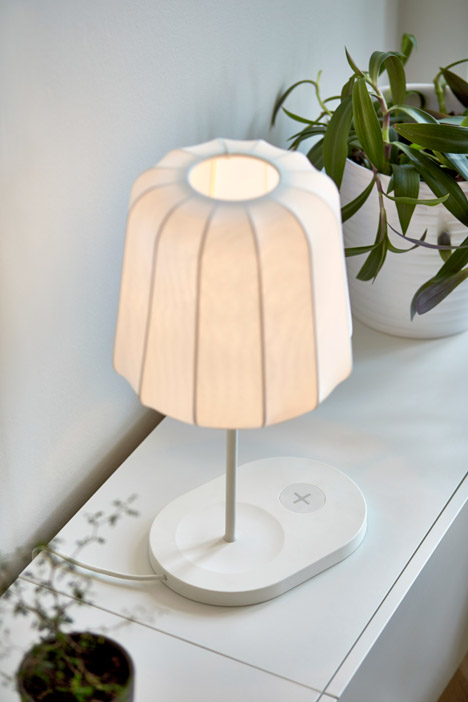 Ikea-wireless-charging-furniture_dezeen_468_1
